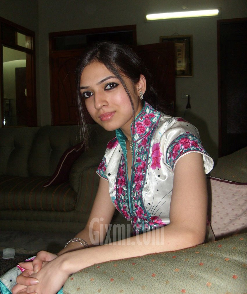 pakistani girl in egypt