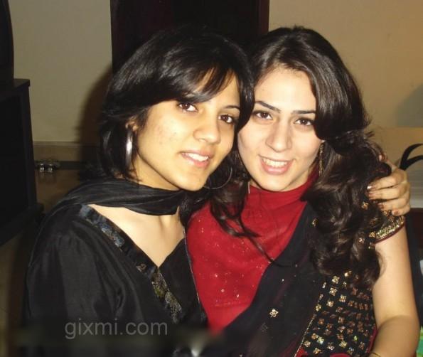 pakistani-girls-595x502