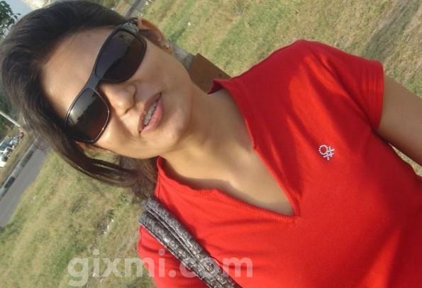 Pune-Girl-595x475