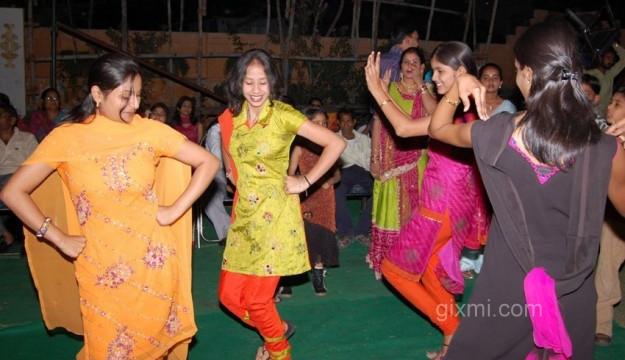 Punjabi-Girls-and-Extravagant-Punjabi-Marriage-625x416