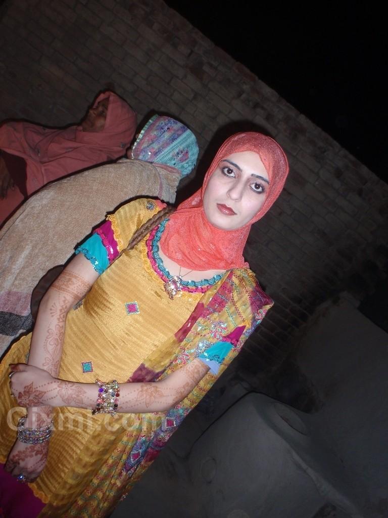 Desi Dask Girl