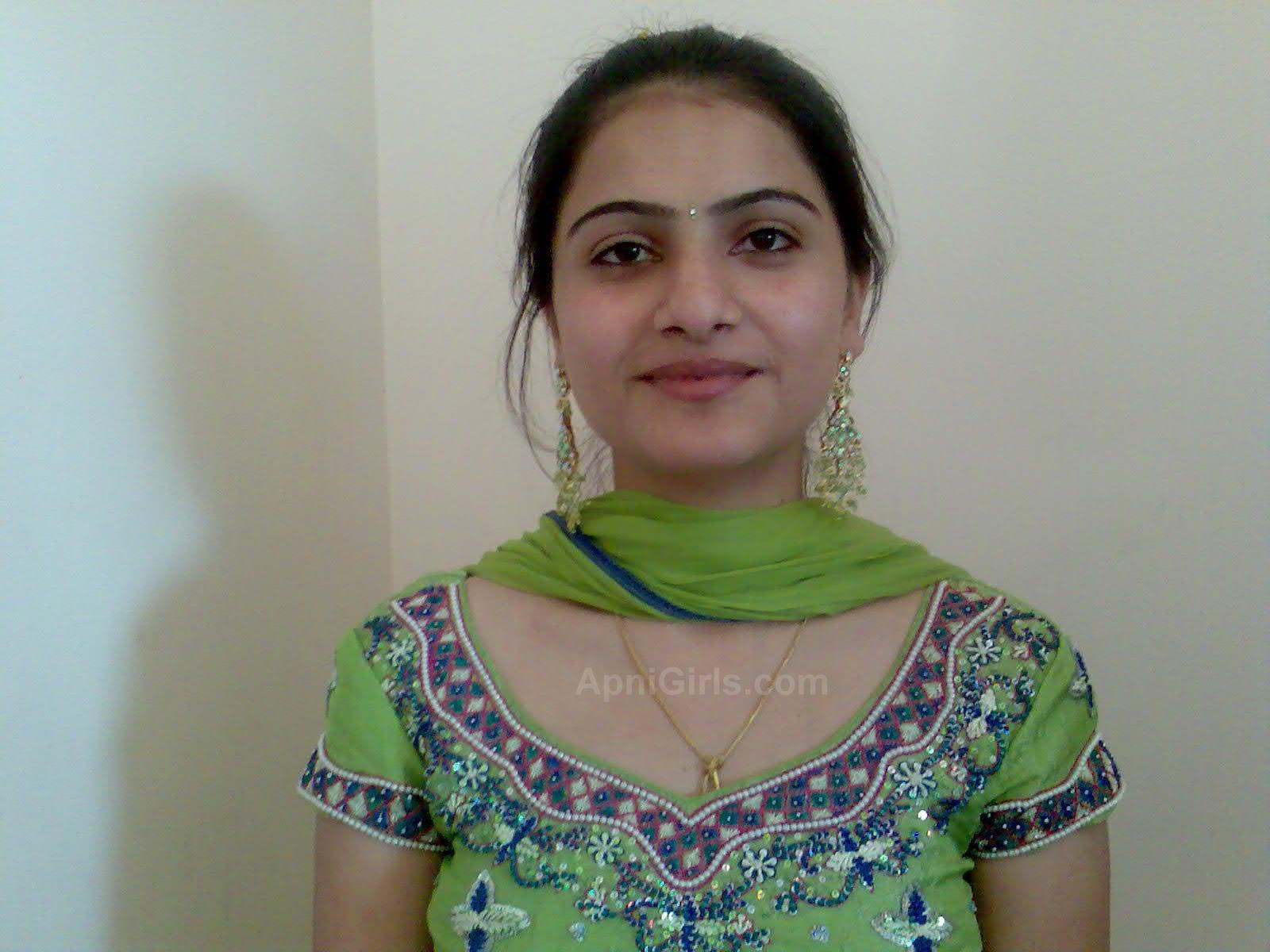 Cute And Beautiful Indian Girl